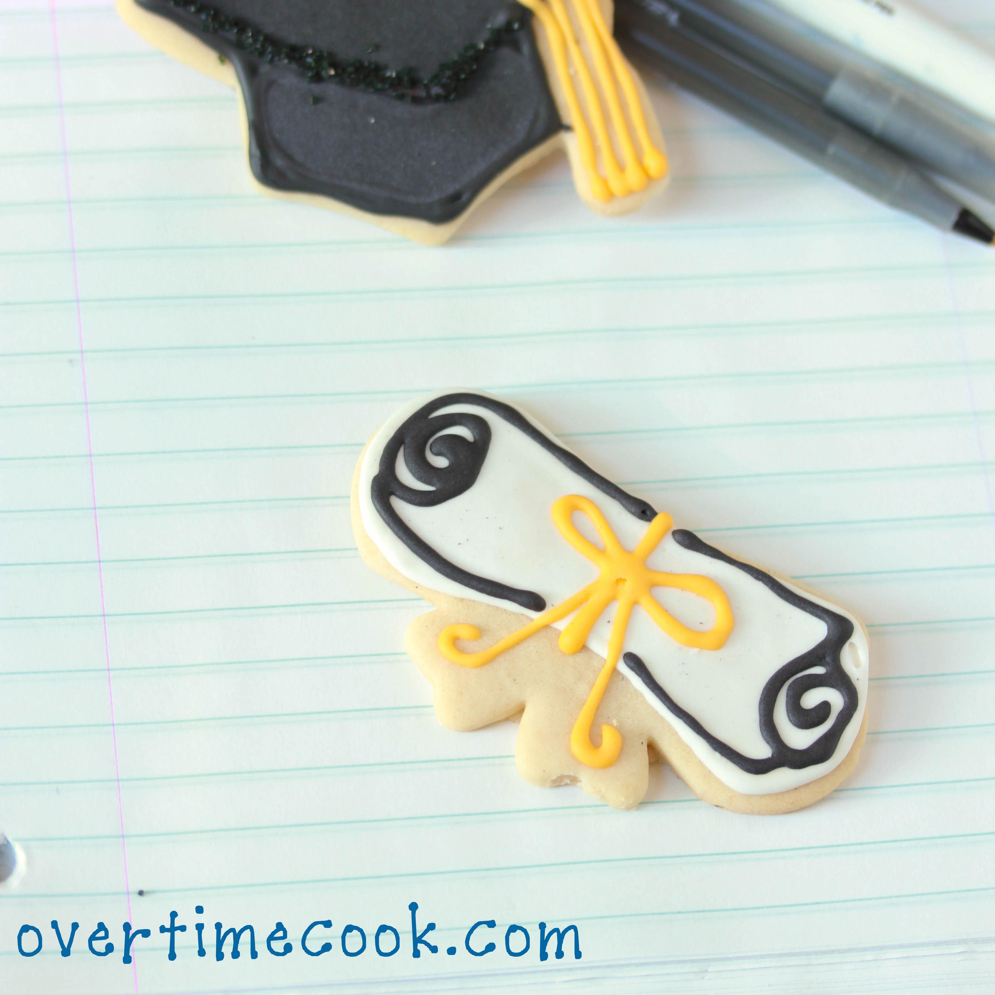 Plastic Graduation Cap Cake Topper